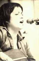 """Elisa Serna: concierto en Sabadell en Junio de 1976. Extraído de """"Revista de Orientación e Información"""" (2ª época, 1er trimestre, nº 42; CC.OO)"""
