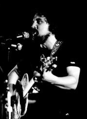 Bibiano y su Guitarra (del Arquivo Gráfico e Documental de VOCES CEIBES)