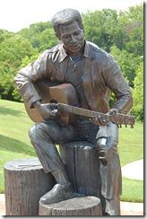 Estatua de Otis en el parque Gateway de Macon, su ciudad natal
