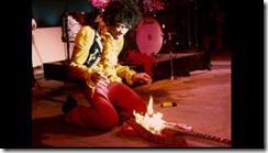 Jimi Hendrix prendió fuego al mundo