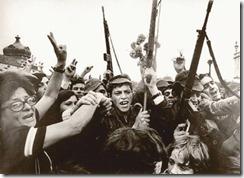 revolucion-de-los-claveles