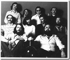 "The staff of ""Vallecas""; from top to bottom and from left to right: Luis Fernández Soria (sound), Carlos Llorente (flute and percussion), Castor (poet-lyiricist), Jean Pierre Torlois (guitars), Fausto, L. Pastor, Vitorino, Miguel Ángel Chastang (bass), Luis Suárez Rufo (arrangements) and Antonio Gómez (producer). Photo by Máximo Moreno"