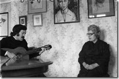 A Celdran con Josefina Manresa viuda de Miguel Hernandez-G