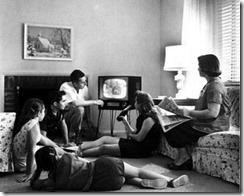 familias-viendo-televisión-pasado