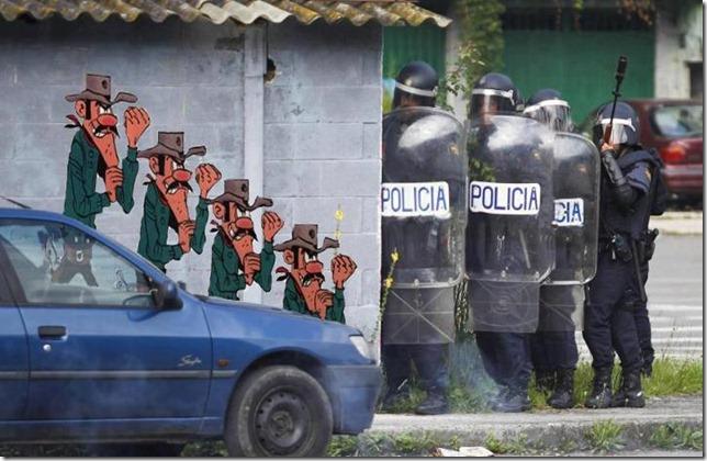 Durante la represión de las protestas mineras en Asturias y León, alguien captaba esta curiosa imagen